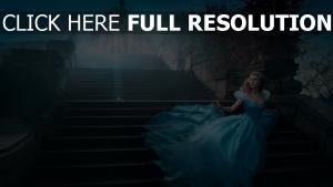 cendrillon lily james robe château conte de fées