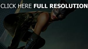 la emme-chat masque pose de combat halle berry