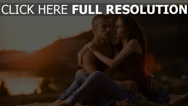 fond d'écran hd couple étreinte romantique jeans