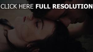 visage sensuel couple yeux fermés