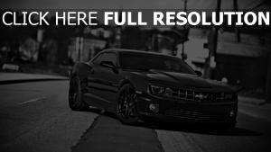 chevrolet camaro pony car noir et blanc coupé
