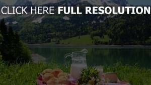 brioche lait alpes arrière-plan
