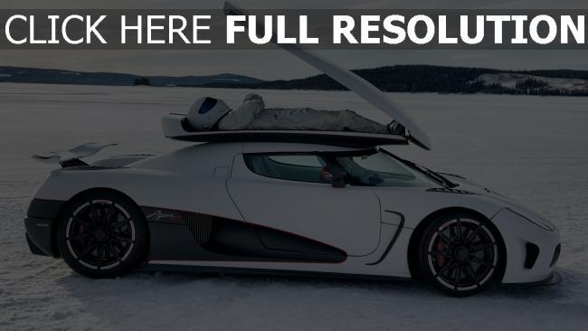 fond d'écran hd koenigsegg lac gelé pilote voiture sportive de prestige