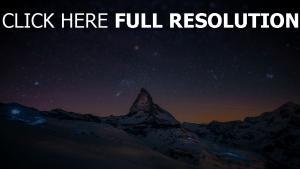 montagne enneigé autriche nuit lumière