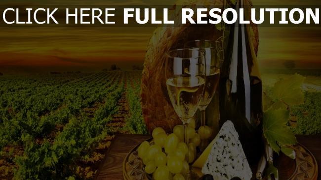 fond d'écran hd vin bouteille raisins champ nature morte