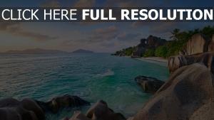 azur océan rock île maldives