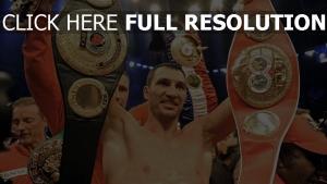 wladimir klitschko boxe ceinture de champion