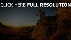 vélo desert coucher du soleil nevada