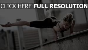 gymnastique athlète blond flou