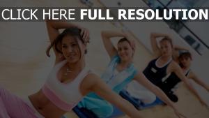 gymnastique groupe geste sourire