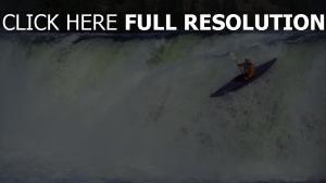 rafting chute d'eau barque