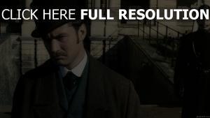jude law moustache chapeau