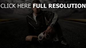 joueur autoroute nuageux football