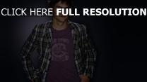 ashton kutcher veste vue de face acteur