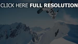 truc snowboard suisse couverts de neige