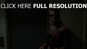 brad pitt stylé cigare veste cuir fight club