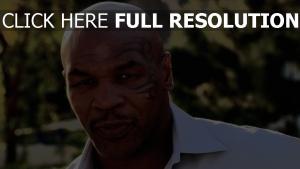 mike tyson visage tatouage boxeur