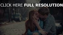 couple rue prague baiser