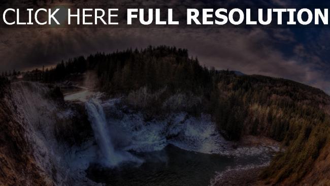fond d'écran hd chute d'eau panorama nuageux forêt sapin