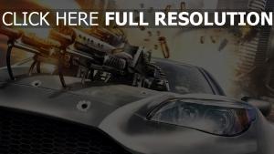 voiture de sport fusil d'assaut tirer
