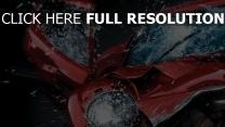 voiture de sport collision éclaboussure pare-brise