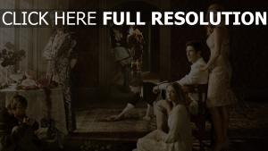 histoire d'horreur personnages principaux mansion soubrette