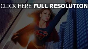 supergirl blond geste melissa benoist