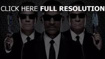 hommes en noir visage personnages principaux