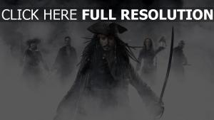 pirates des caraïbes sabre johnny depp brouillard