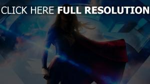 supergirl silhouette fumée manteau