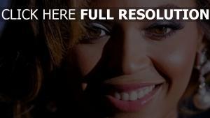 beyoncé visage chanteuse sourire