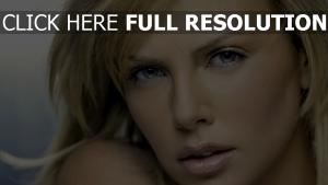 charlize theron tendre visage
