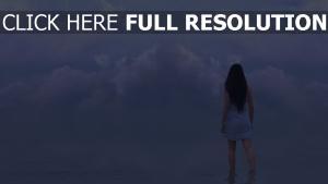 brunette nuageux lac l'horizon