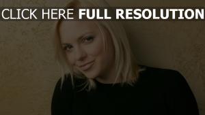 anna faris visage blond actrice