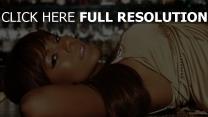 ashanti chanteuse cheveux bruns