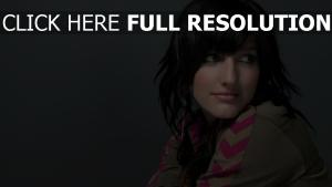 ashlee simpson actrice brunette regard