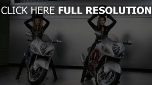 beyonce combinaison de cuir jennifer lopez casque moto