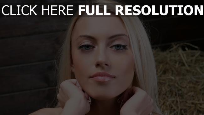 fond d'écran hd blond yeux bleus mannequin vue de face