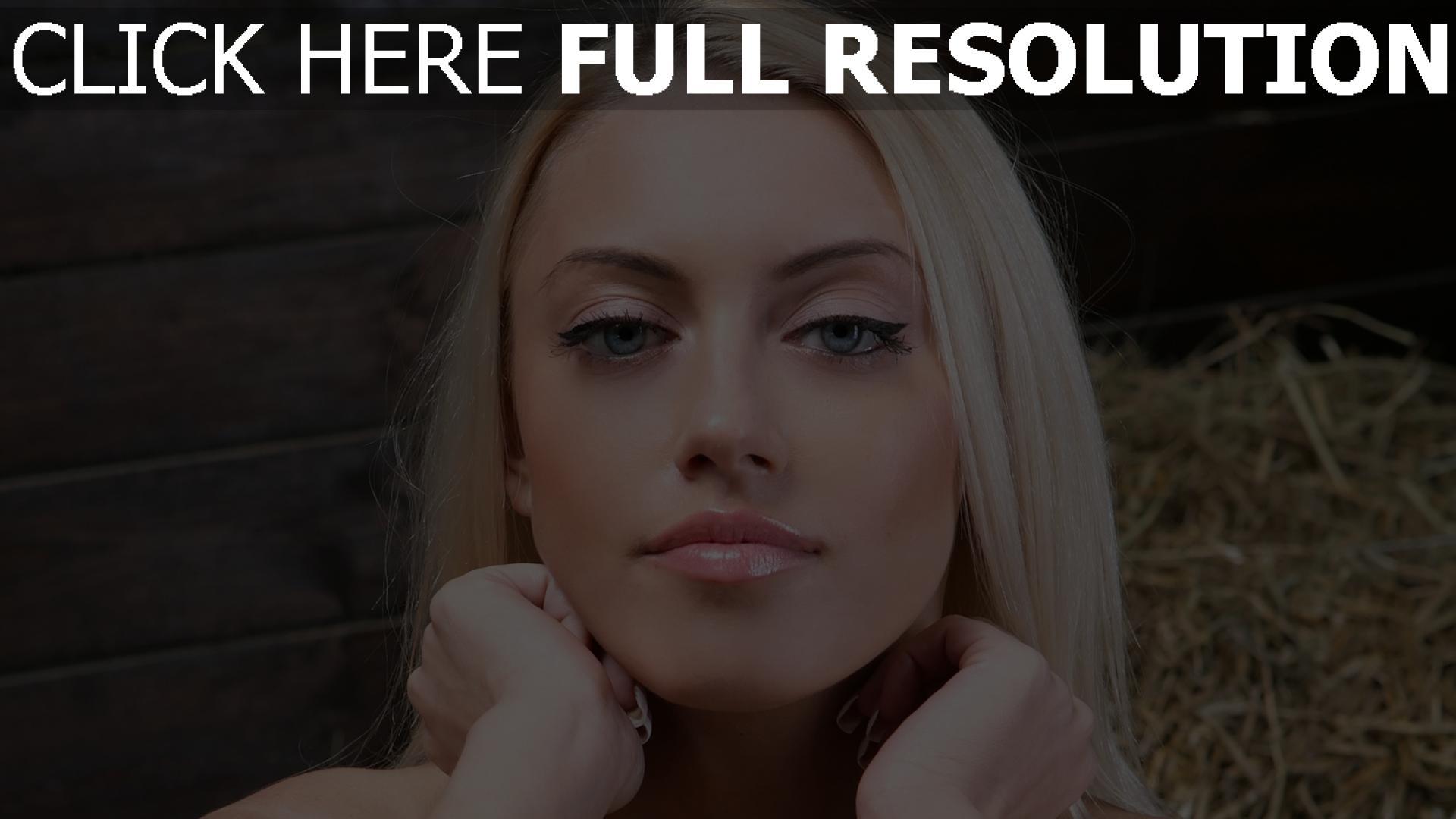 Fond D 233 Cran Hd Blond Yeux Bleus Mannequin Vue De Face