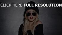 blond lunettes de soleil style urbain chapeau