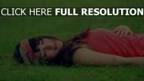dormir brunette chérie naturel
