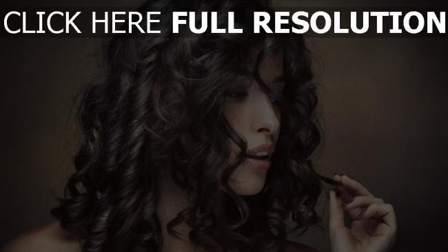 fond d'écran hd bouclé cheveux brunette sensuel