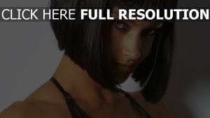candice boucher cheveux courts regard