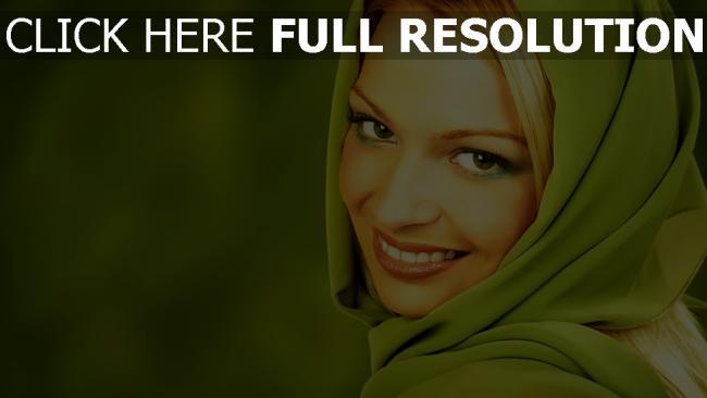 fond d'écran hd blond yeux verts sourire écharpe