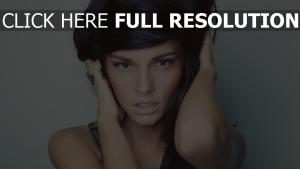 casey carlson brunette sensuel naturel