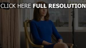 julianna margulies robe visage cheveux courts