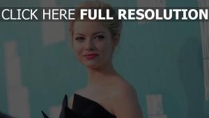 emma stone blond rouge à lèvres coiffure