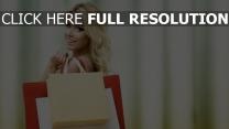 blond yeux bruns le shopping bonheur