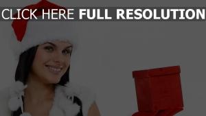 chapeau noël brunette cadeau