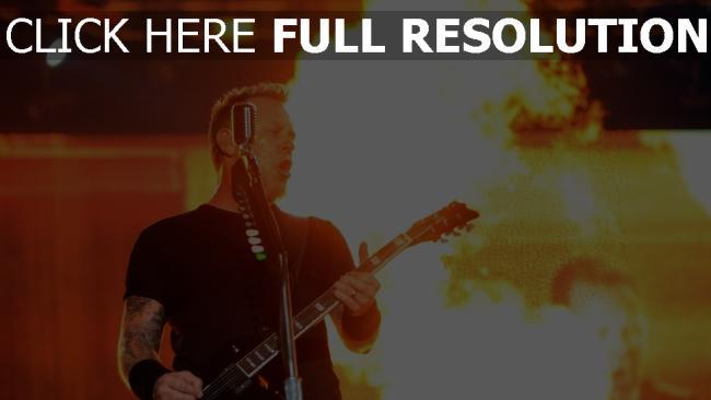 fond d'écran hd metallica guitare flamme scène